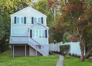 Foreclosed Home in FULTON DR, New Fairfield, CT - 06812