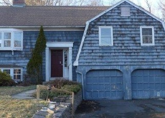 Foreclosed Home en BIRCHLAWN TER, Newington, CT - 06111