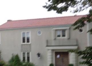 Foreclosed Home en BATTERY PARK DR, Bridgeport, CT - 06605