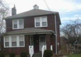 Foreclosed Home en CRESCENT HILLS RD, Pittsburgh, PA - 15235