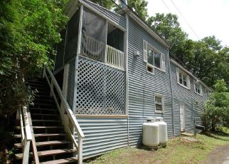 Foreclosed Home en TIMACULA RD, Coatesville, PA - 19320