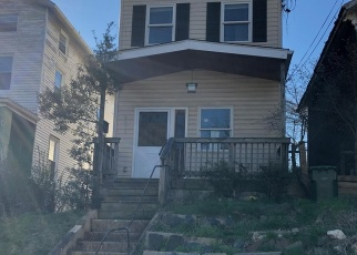 Foreclosed Home en DRUID PARK DR, Baltimore, MD - 21211