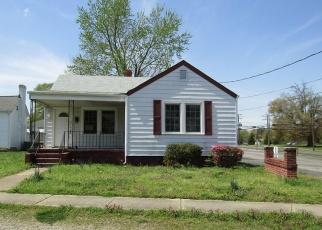 Casa en ejecución hipotecaria in Hopewell, VA, 23860,  S 11TH AVE ID: F4396526