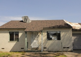 Foreclosed Home en E 220TH ST, Long Beach, CA - 90810