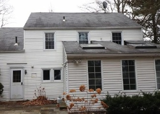 Foreclosed Home en WALDEN ST, West Hartford, CT - 06107