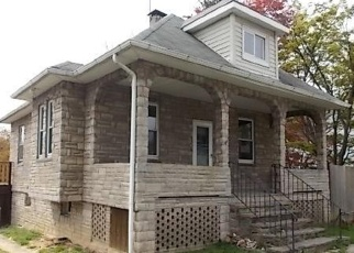 Foreclosed Home en GLENMORE AVE, Baltimore, MD - 21206
