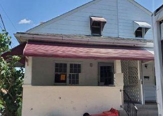 Foreclosed Home en JOHNSON ST, Pottstown, PA - 19464