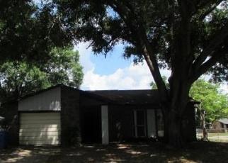 Foreclosed Home en TIBURON DR, Seffner, FL - 33584