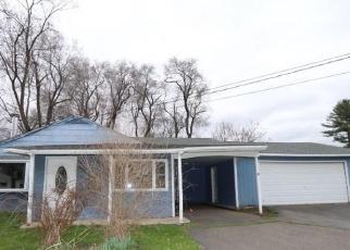 Foreclosed Home en PROSPECT HILL DR, East Windsor, CT - 06088