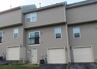 Foreclosed Home en BLUE BIRD LN, York, PA - 17402