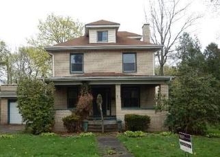 Foreclosed Home en E SHERIDAN AVE, New Castle, PA - 16105