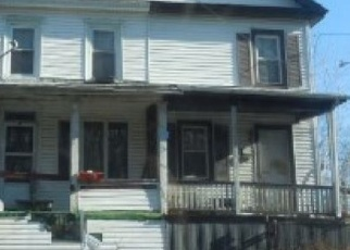 Foreclosed Home en MAIN ST, Tremont, PA - 17981