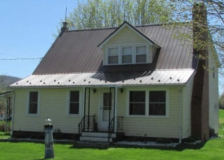 Foreclosed Home en PUMPING STATION RD, East Waterford, PA - 17021