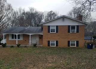 Foreclosed Home en CHARLTON AVE, College Park, MD - 20740