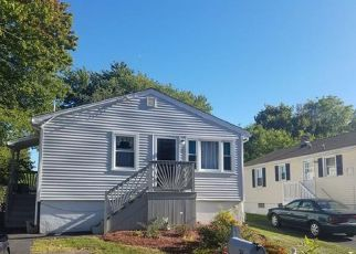 Foreclosed Home en DONALD ST, West Haven, CT - 06516