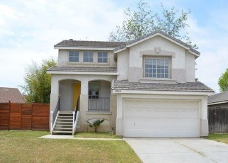 Foreclosed Home en AMUR MAPLE DR, Bakersfield, CA - 93311