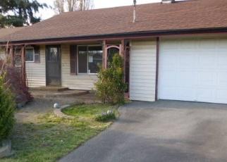 Foreclosed Home en SE 4TH AVE, Oak Harbor, WA - 98277
