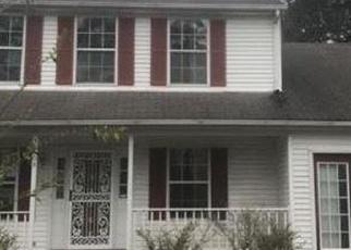 Foreclosed Home en CRISTAL DR, Newport News, VA - 23608