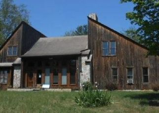 Foreclosed Home en CASCADE RD, Cascade, VA - 24069