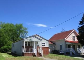 Foreclosed Home en QUASH ST, Hampton, VA - 23669