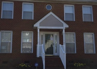 Foreclosed Home en COLCHESTER CRES, Norfolk, VA - 23504