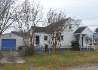 Foreclosed Home en VICTORIA BLVD, Hampton, VA - 23661