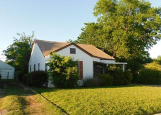 Foreclosed Home in E ROBERT ST, Fort Worth, TX - 76104