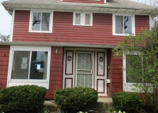 Foreclosed Home en E 151ST ST, Cleveland, OH - 44110