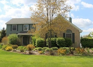 Foreclosed Home en GOLF VIEW DR, Clarkston, MI - 48346