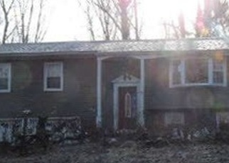 Foreclosed Home en DART HILL RD, Milford, CT - 06461