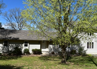 Foreclosed Home en SONGBIRD DR, Branson, MO - 65616
