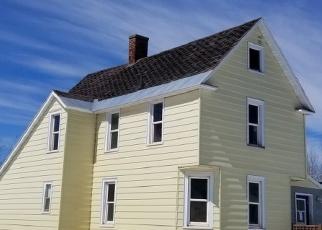 Foreclosed Home en HOUGHTON ST, Negaunee, MI - 49866