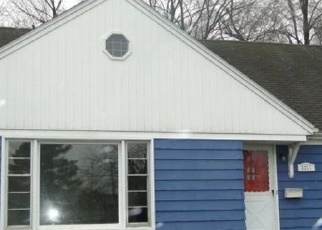 Foreclosed Home en SHERWOOD DR, Flint, MI - 48503