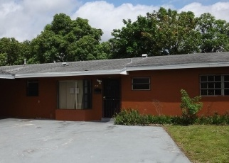 Foreclosed Home en NW 191ST ST, Opa Locka, FL - 33056
