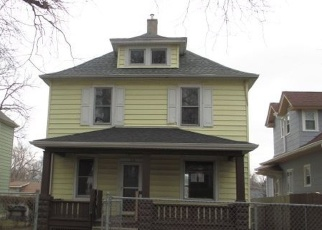 Foreclosed Home in 14TH AVE, Moline, IL - 61265
