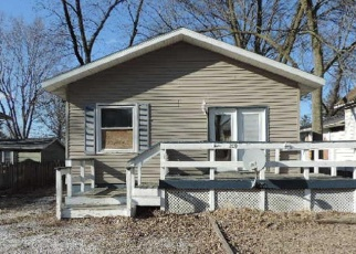 Foreclosed Home in W BROWN AVE, Stonington, IL - 62567