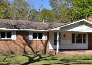 Foreclosed Home en CLEAR LAKE DR, Douglas, GA - 31533