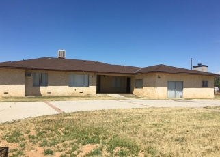 Foreclosed Home en ADELL ST, Madera, CA - 93638