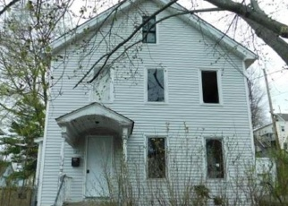 Foreclosed Home en GRISWOLD ST, New Britain, CT - 06052