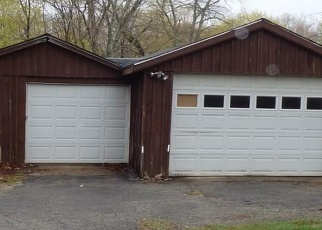 Foreclosed Home en NORMAN RD, Jewett City, CT - 06351