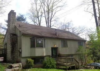 Foreclosed Home in WOODY PL, Ridgefield, CT - 06877