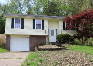 Foreclosed Home en W WHITE OAK DR, Delmont, PA - 15626