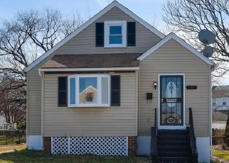 Foreclosed Home en WALNUT AVE, Dundalk, MD - 21222