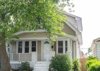 Foreclosed Home in S 72ND ST, Milwaukee, WI - 53219