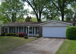 Foreclosed Home en BROOKSTONE DR, Florissant, MO - 63033