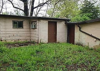 Foreclosed Home en BLANCHE DR, Saint Charles, MO - 63303