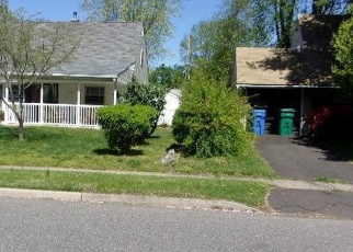 Foreclosed Home en KENWOOD DR S, Levittown, PA - 19055