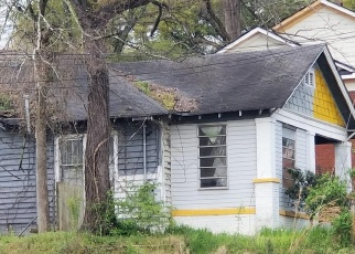 Foreclosed Home en DONALD LEE HOLLOWELL PKWY NW, Atlanta, GA - 30318