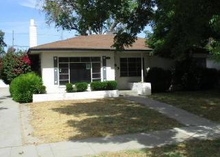Foreclosed Home en N HULBERT AVE, Fresno, CA - 93705