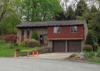 Foreclosed Home en GREENDALE DR, Pittsburgh, PA - 15239